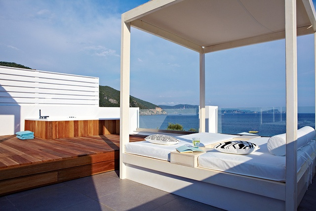 Amazing Jacuzzi on the terrace of Lichnos Beach Hotel in Parga, Greece