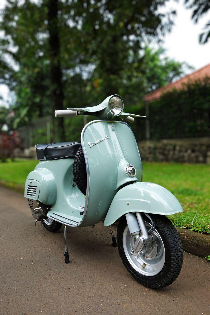 http://i.pinimg.com/736x/f4/ea/3c/f4ea3cefead8c6c284c367cc8270824d--vespa--vespa-scooter.jpg