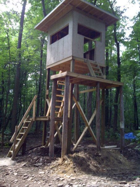Pin by john simmons on deer hunting pinterest for Elevated hunting blind designs