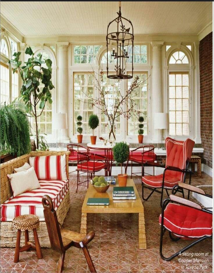 Love this sunroom decor bebe 39 patios and porches for Sunroom decor