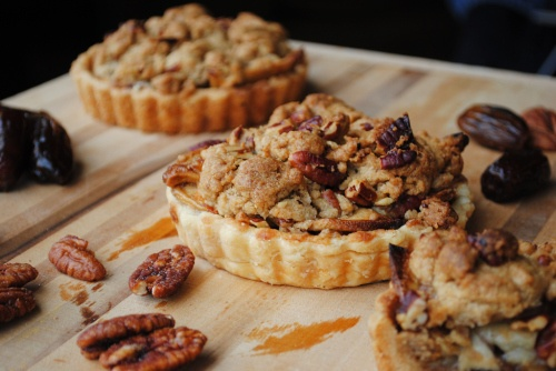 Apple Date Pecan Cheddar Tarts | Sweet Recipes | Pinterest