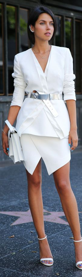cocktail dress #white Love an all white look with cool accessories