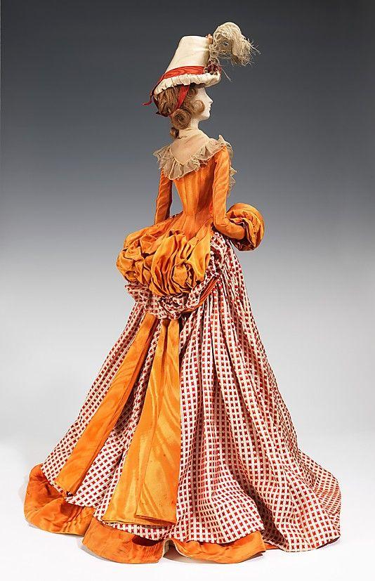 1791 Кукла на боевых и Арманд (металлические, штукатурка, волос, шелк, перья), 1949.  ММА