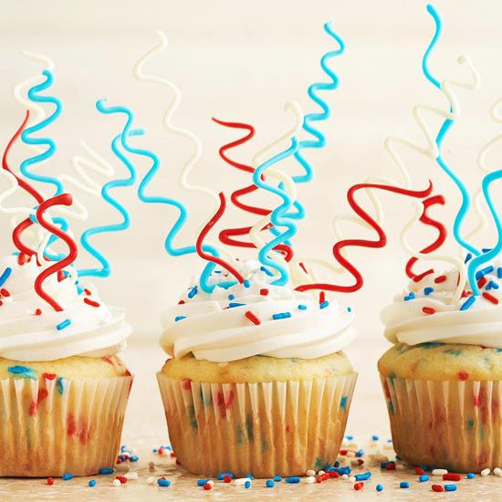 Make your own patriotic cupcake toppers out of candy coating disks. Recipe: http://www.bhg.com/recipe/cupcakes/sparkler-cupcakes/?socsrc=bhgpin052912