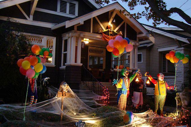 Clown decor halloween pinterest for Clown dekoration