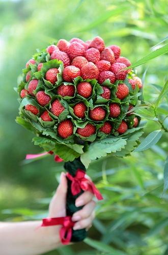 Strawberry Bouquet Rustykalne Wesele Pinterest