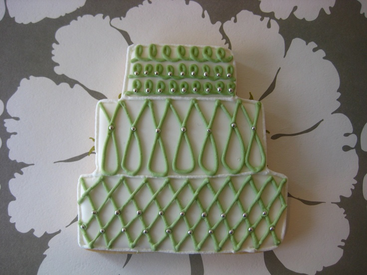 green graphic wedding cake cookie
