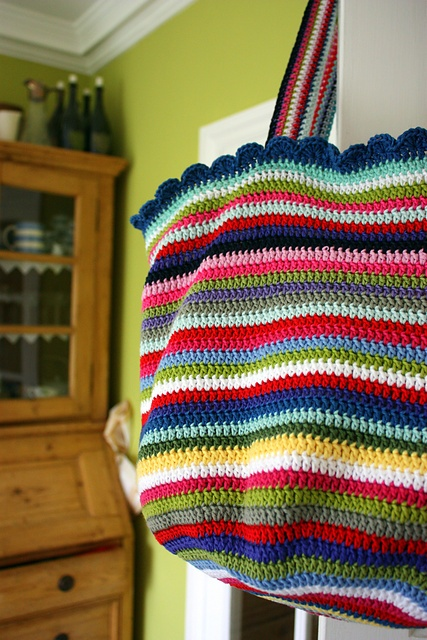 Crochet Bag And Pattern : Pin by Betsy Smith on Crochet Bags Pinterest