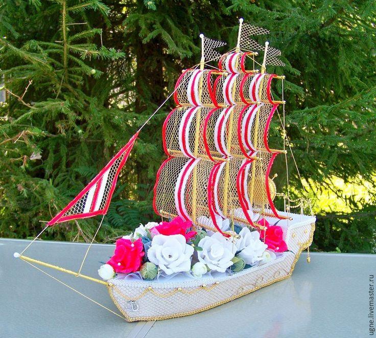 Корабль свадебный из конфет своими руками 40