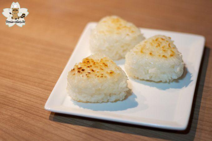 Yaki onigiri 焼きおにぎり (boule de riz grillée)