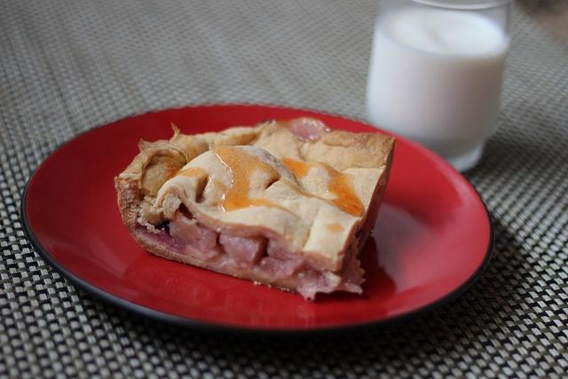 Pineapple and strawberry pie #pie #vegetarian #pineapple #strawberry