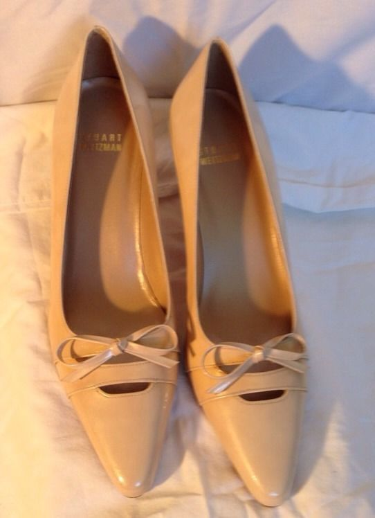 Stuart Weitzman Womens Shoes 8 Cream Flesh Patent Leather Kitten Heel