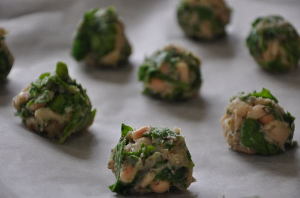 cannellini bean and spinach meatballs with tomato sauce (gluten-free ...