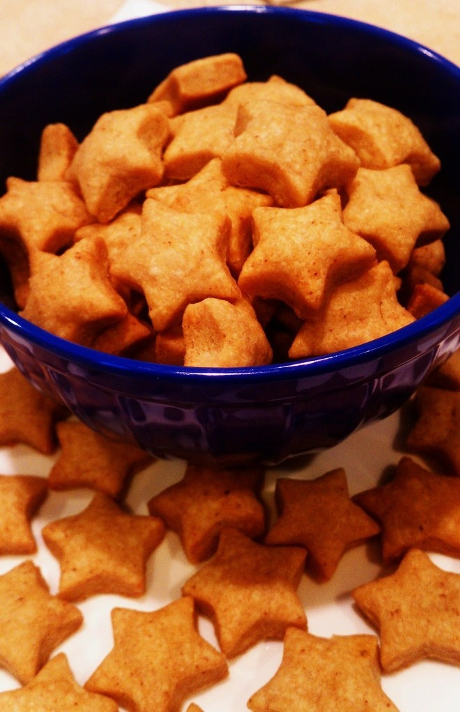 Recipes: Homemade Whole Wheat Cheddar Crackers