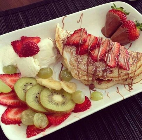 Crepes, fruits & nutella! | Food | Pinterest