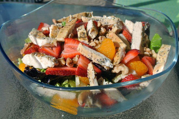 Strawberry Mandarin Walnut Salad | Salads | Pinterest