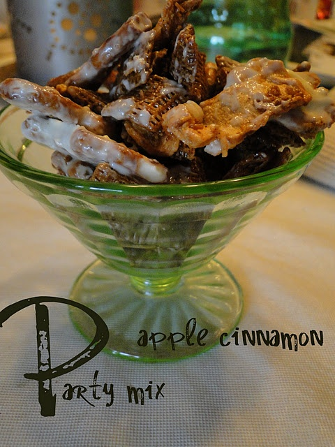 apple cinnamon party mix | My Snacks | Pinterest