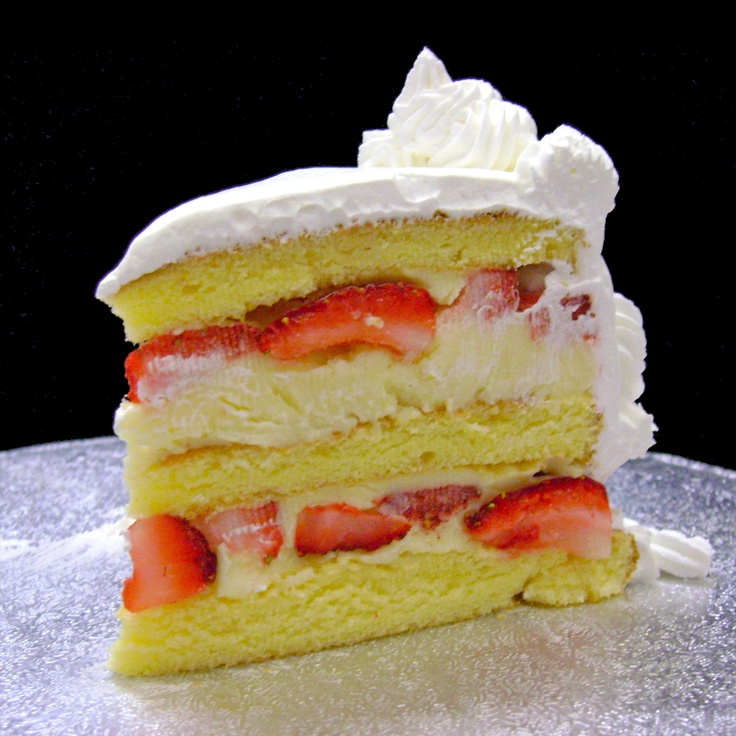 strawberry amaretto cake