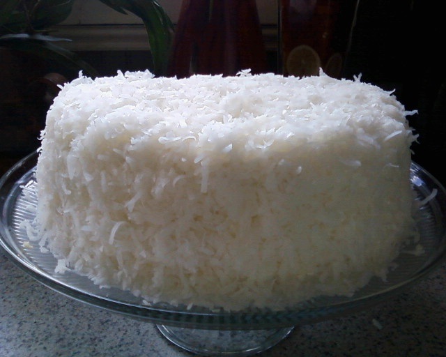 Very Vanilla Butter Cake & Fluffy Cream Cheese Frosting Recipe ...