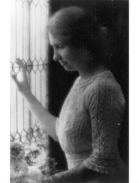 the person i admire helen keller So yeah, im writing an essay of helen keller this is sort of like a biography of hers also i have to tell why do i admire helen keller through this essay.