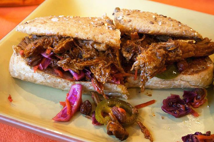 Pulled Pork with a Red Chile Sauce | Food-a-rama | Pinterest