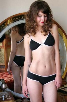 Dollhouse Bettie - Pinup and Vintage Lingerie - Daily Temptation