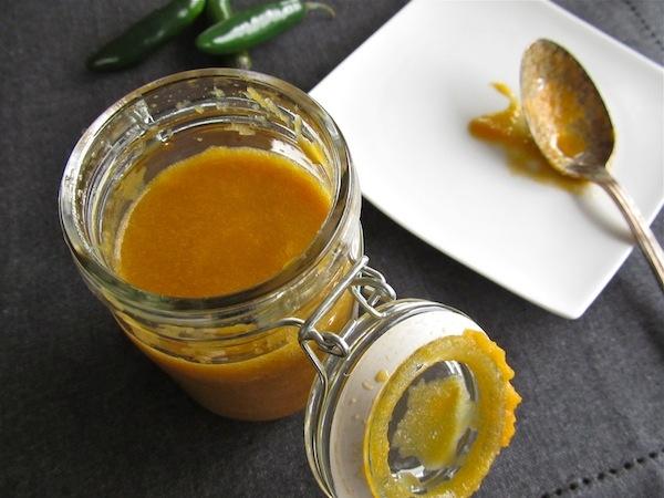 TV Tuesday #29 - 10 Minute Homemade Hot Sauce | beyondthepeel.net