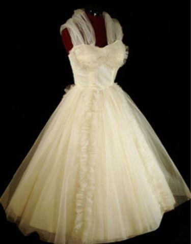Pinup vintage 50s wedding dress ideas pinterest for Vintage pin up wedding dresses