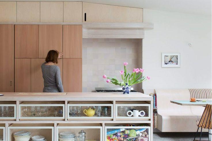 bovenste keukenkastjes BINNENKIJKEN. De Standaard