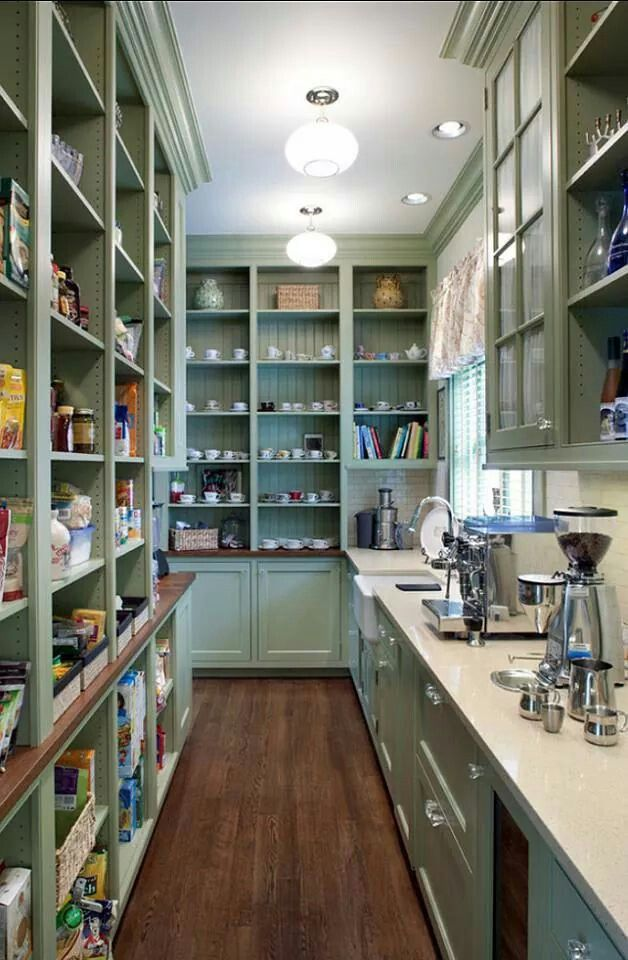 Walk in pantry kitchens pinterest for Country kitchen pantry ideas