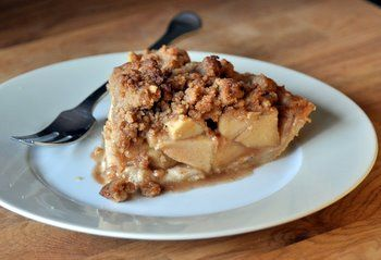 Cinnamon Apple Pie with Crumb Topping | Pies, Cheesecakes and misc. d ...