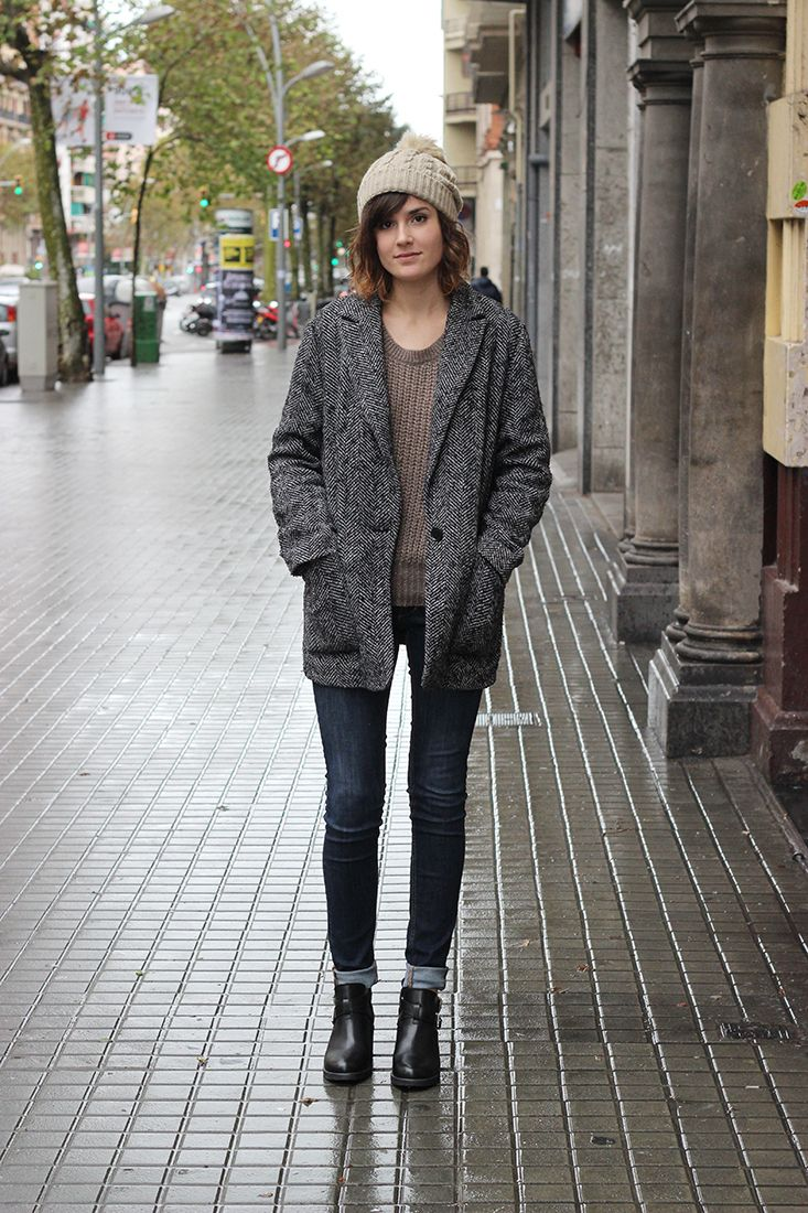 Awesome When It Comes To Straight Jeans, The Best Boots Are Those That Are Meant To Go Under The Jeans Leg Wedge Boots, Granny Boots, City Boots, Chelsea Boots, And Shooties Are Often Made With Simple Openings And Elastic Gussets To