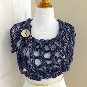 One Night Wrap ~ free (Looks like it was created by arm knitting.)