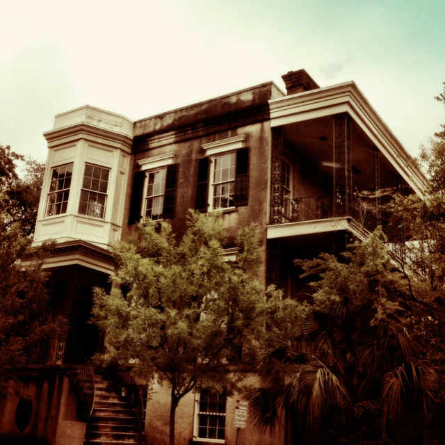 Spooky 423 Abercorn - thought to be one of the most haunted buildings in Savannah.
