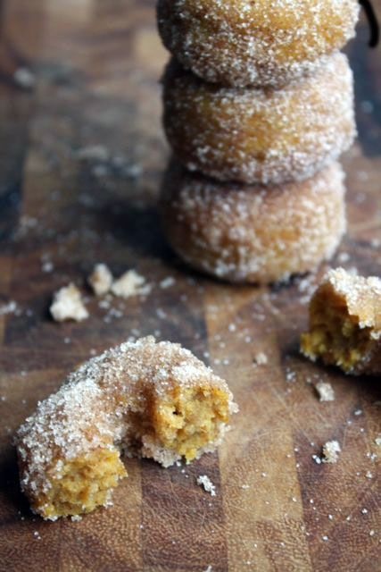 Baked Pumpkin Spice Donuts. Yum, they look good. www.PureAmericanBaby ...