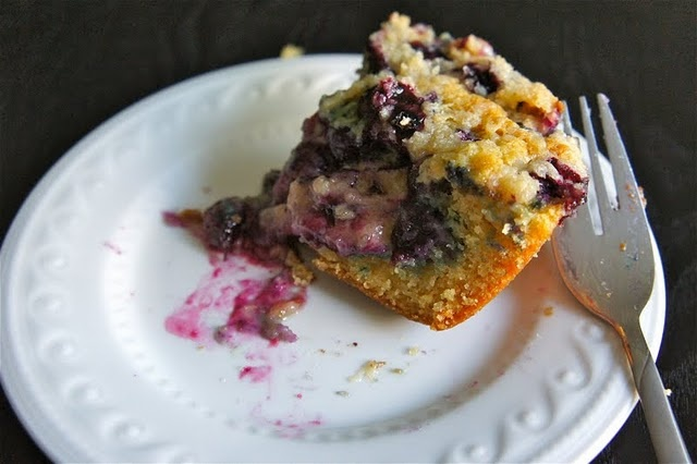 vanilla blueberry crumb cake | BLUEBERRY RECIPES | Pinterest