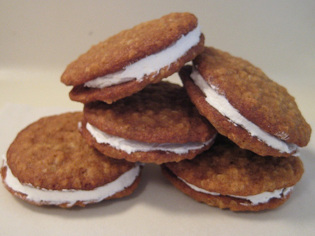 Oatmeal Cream Pies by NoshWithMe, via Flickr