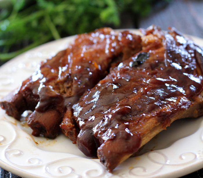 Slow Cooker Honey Maple BBQ Ribs | Croaking Tortoise Pot | Pinterest