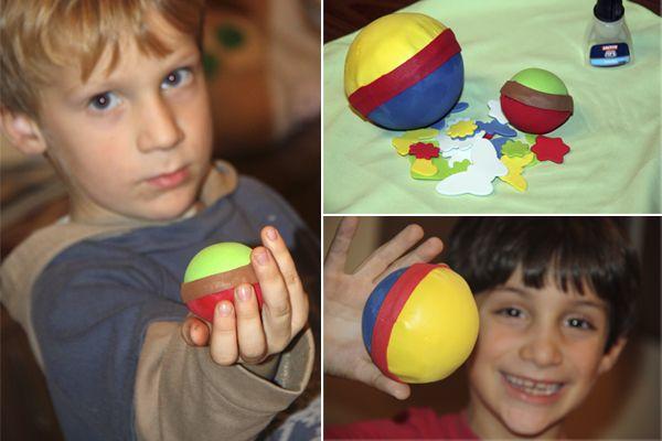Bolas de navidad de goma eva hechas a mano