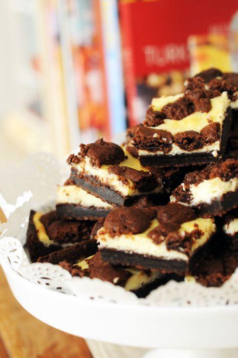 Black and white chocolate cheesecake bars (recipe)