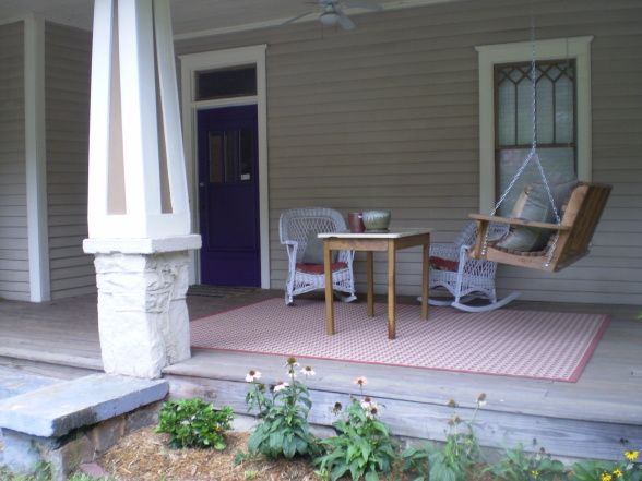 Shabby chic craftsmen front porch porches patios for Shabby chic porch ideas