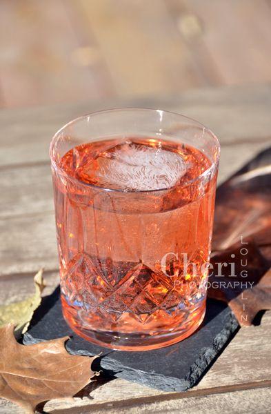 , Pink Grapefruit Sparkling Mineral Water, Lime Slice or Grapefruit ...
