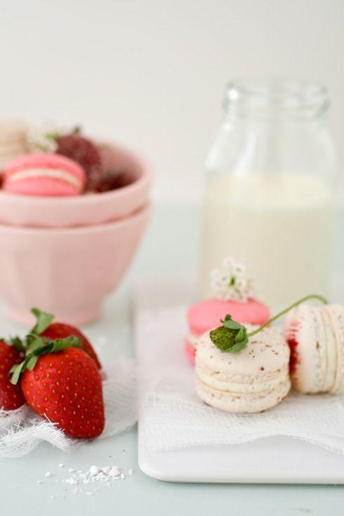 ... drink - food - dessert - strawberry and vanilla bean macarons (recipe