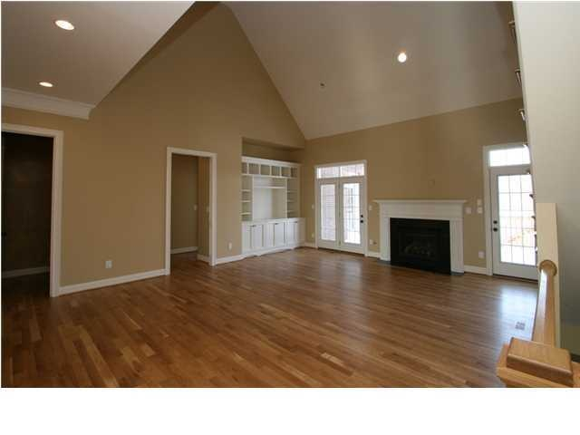 Great room with vaulted ceiling project house interior for Vaulted ceiling great room