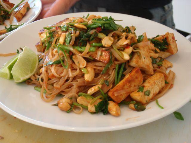 Lean Tofu Pad Thai Recipe — Dishmaps