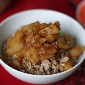 Apple Pie Farro Oatmeal | Breakfast on a Budget | Pinterest