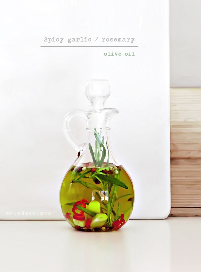 Spicy Garlic/Rosemary Olive Oil