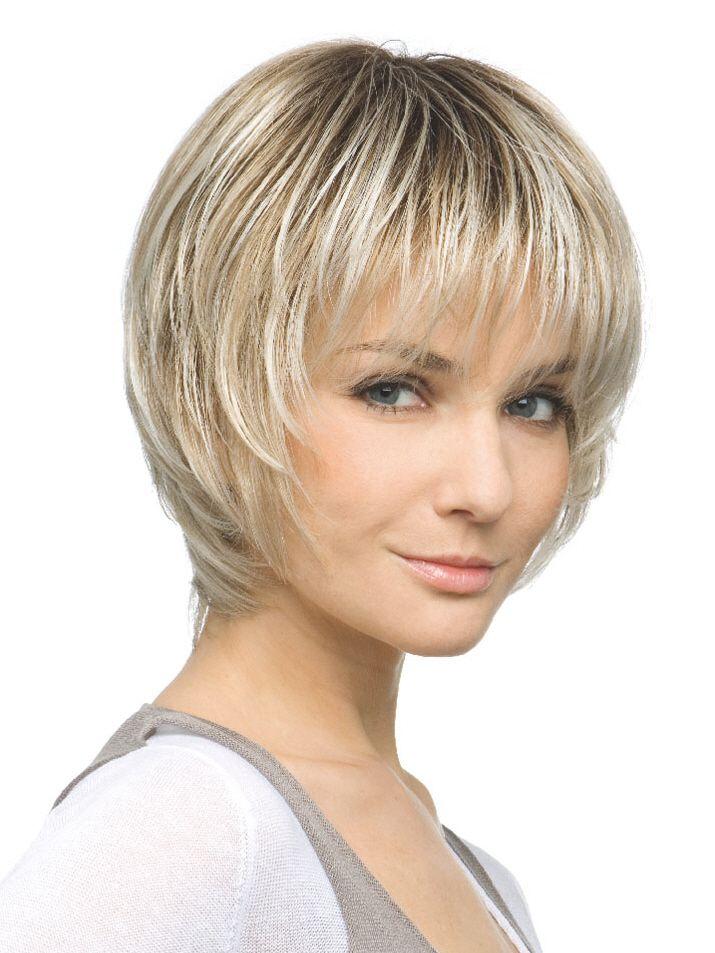 Женская стрижка с челкой на короткие волосы