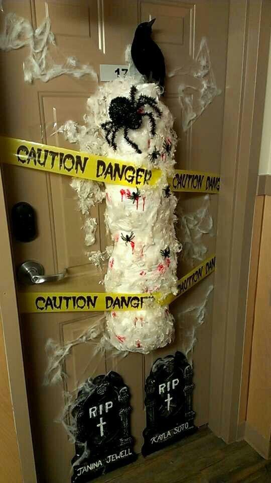 College dorm door decorating contest  College Life  ~ 024145_Halloween Door Contest Winners