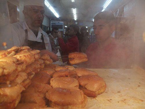 Bourdain's wet burger place
